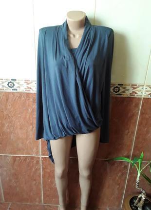 Трикотажная блузка лонгслив  ассистентричная