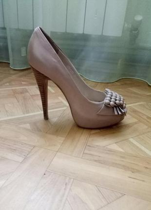 Туфли женские на высоком каблуке, натуральная кожа