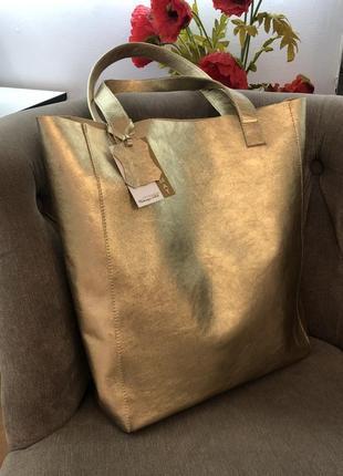Сумка шоппер из натуральной кожи золотистого цвета