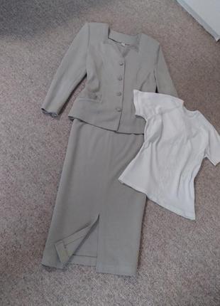 Классический трикотажный костюм с юбкой -карандаш и кофточка