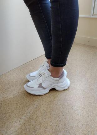 Крутые кожаные кроссовки