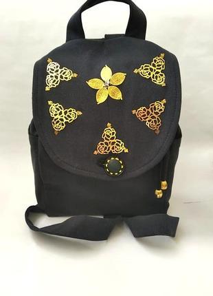 Стильный джинсовый рюкзак с розами