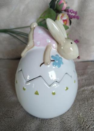 Пасхальный кролик, пасхальное яйцо, статуэтка, шкатулка