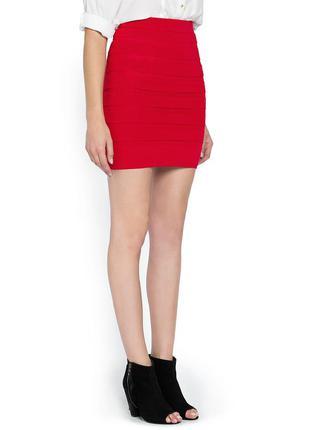 Бандажная юбка mango. новая красная приталенная юбка