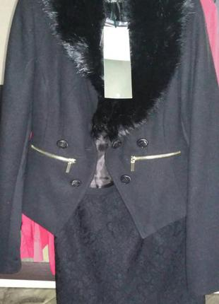 Пиджак stradivarius с меховым воротником