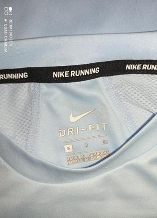 Футболка nike dri-fit miler -s8 фото