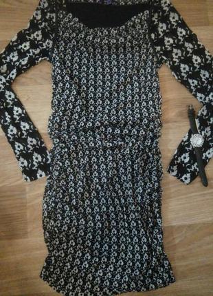Модное платье мехх в черно белой гамме , р-р с, м, стрейч.