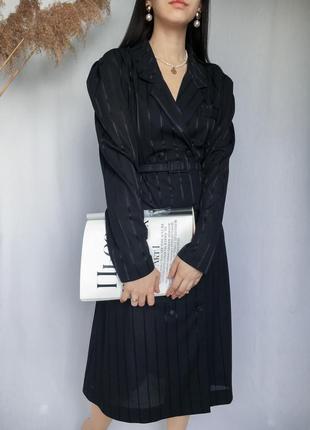 Винтажное платье пиджак с поясом миди на пуговицах трендовое в полоску с длинным рукавом