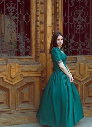 Зеленое бальное винтажное платье