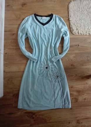 Нежно голубое велюровое платье для дома