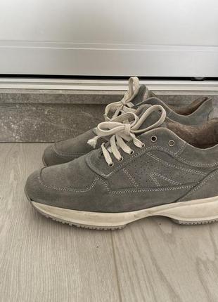 Замшевые кроссовки туфли