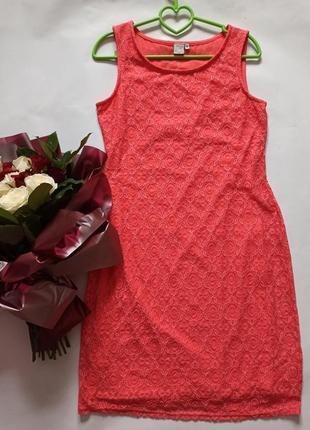 Кружевное платье с подкладкой