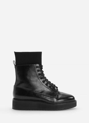 Актульні ботильйони, ботинки, черевики від reserved