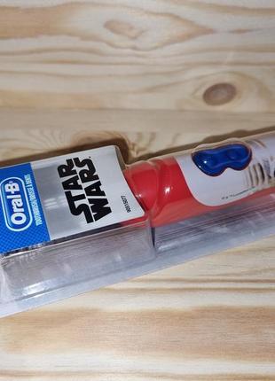 Детская электрическая зубная щетка oral-b звездные войны