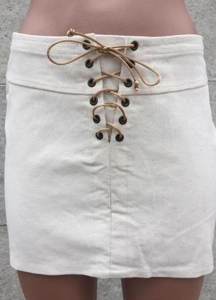 Вельветовая юбка на шнуровке