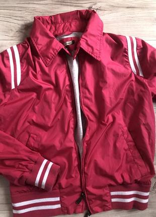 Куртка вітровка alcott