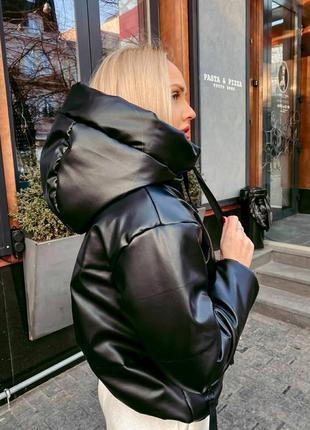 Чёрная куртка с эко кожи