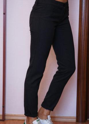 Классические зауженные брюки от benetton