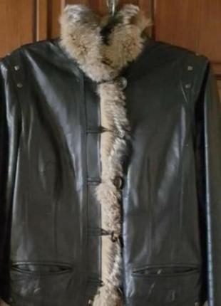 Натуральная кожаная куртка с мехом волка
