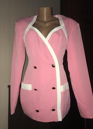 Двубортный розовый пиджак шикарный prettylittlething