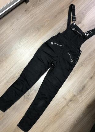 Узкие джинсы, чёрный джинсовый комбинезон