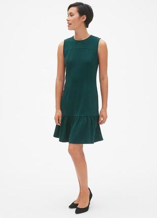 Шикарное изумрудное платье с воланом от gap