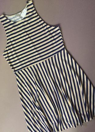 Платье в полоску, размер м-l.  бренд clockhouse