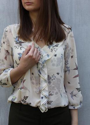 Нежная блуза с птичками