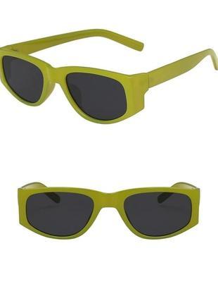 Тренд 2021 очки зеленые солнцезащитные узкие салатовые ретро окуляри