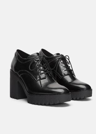 Sale стильные туфли блюхеры дерби 41-42 на рифленой подошве zara