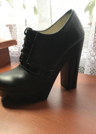 Женские кожаные туфли весенние