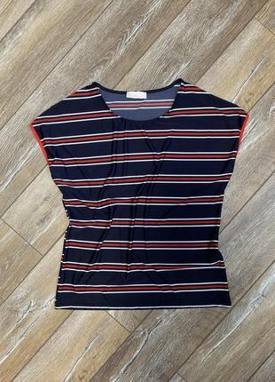 Легкая, яркая, струящаяся футболочка