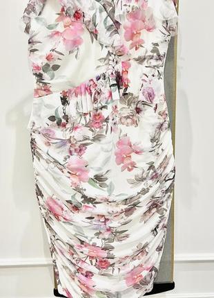 Красивое нарядное платье lipsy london