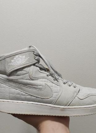Фирменные кроссовки nike air jordan 1 retro pure platinum