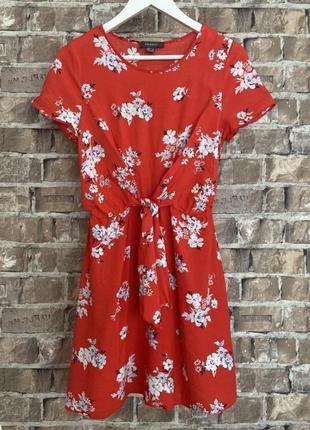 Красное платье в цветы primark