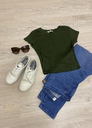 Зелёный кроп-топ футболка