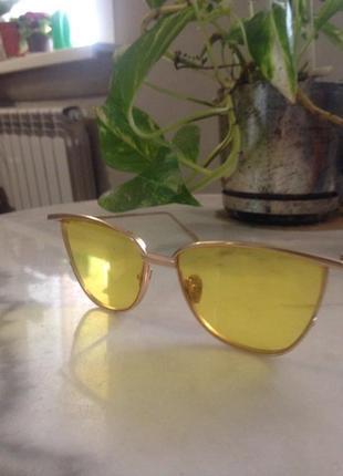 Нежные,элегантные солнцезащитные очки.