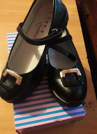 Туфлі на дівчинку2 фото