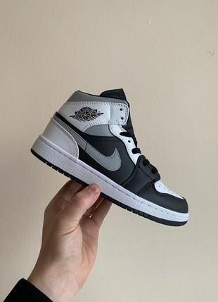 Nike jordan женские кроссовки