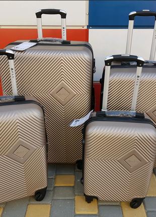 Польский чемодан  ,дорожная сумка , чемоданы ,сумка на колёсах