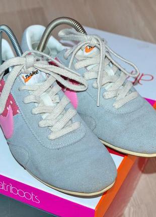 Стильные замшевые кроссовки (кросівки) nike оригинал-36,5р. индонезия