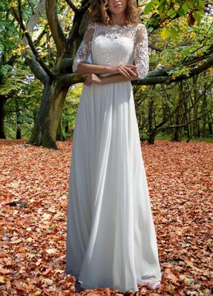 Длинное свадебное платье бохо а-силуэта с кружевными рукавами белое/айвори