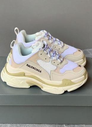 Triple s cream white beige женские белые кроссовки