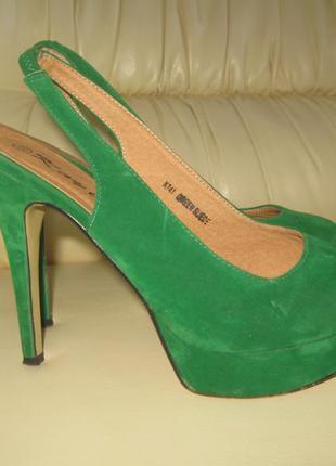 Шикарные туфли бархатные