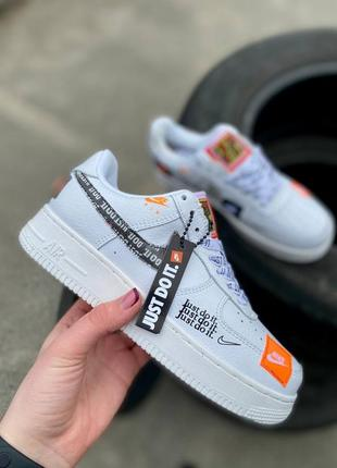 Женские nike air force 1 just do it white