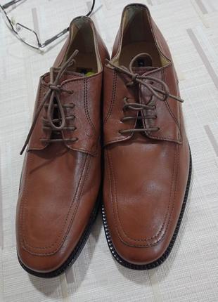 Туфли на шнурках, кожаные, рыжие,  40разм, новые.
