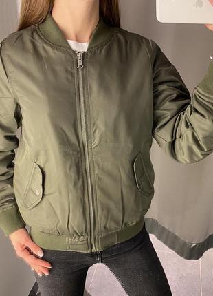 Куртка бомбер цвета хаки курточка fb sister есть размеры