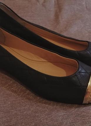 Черные балетки туфли кожаные со вставками итальянские чорні балетки шкіряні італія