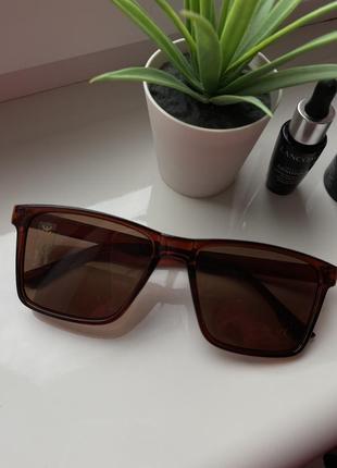 Очки солнцезащитные солнечные стильные новые летние коричневые