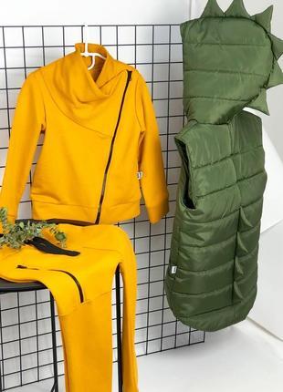 Весняний лук безрукавка діно та костюм